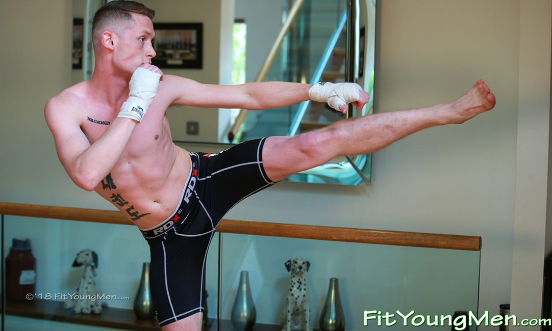 Fit Young Men: Model Tom Gifford - Mixed Martial Arts - Young Mixed Marital Arts Expert Tom Shows his Rock Solid Muscles