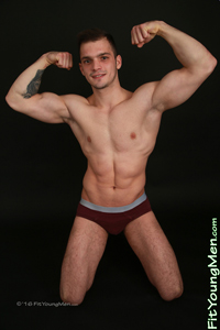 Fit Young Men: Artur Hoban