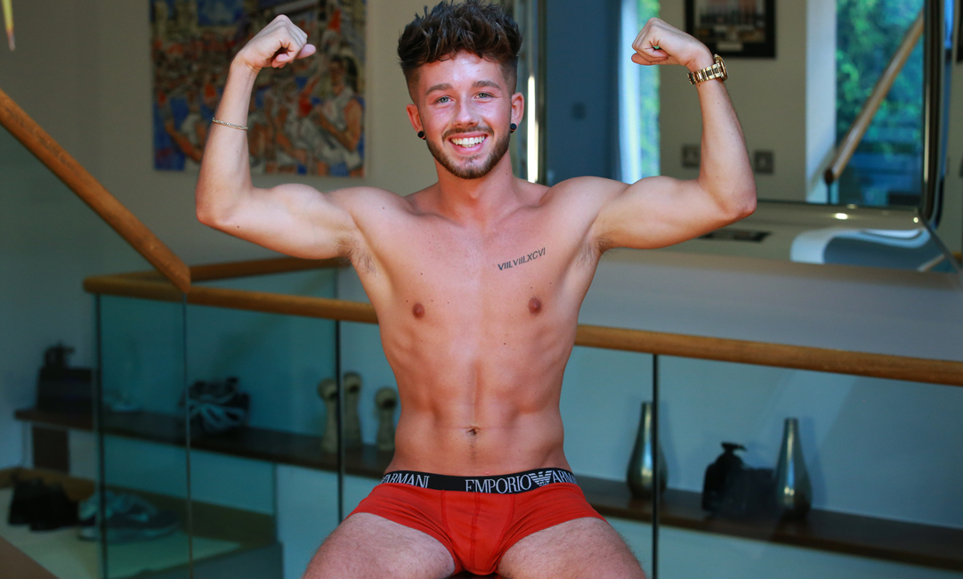 38 Minute Video Young Social Media Star Ed gets Naked & How Hung!