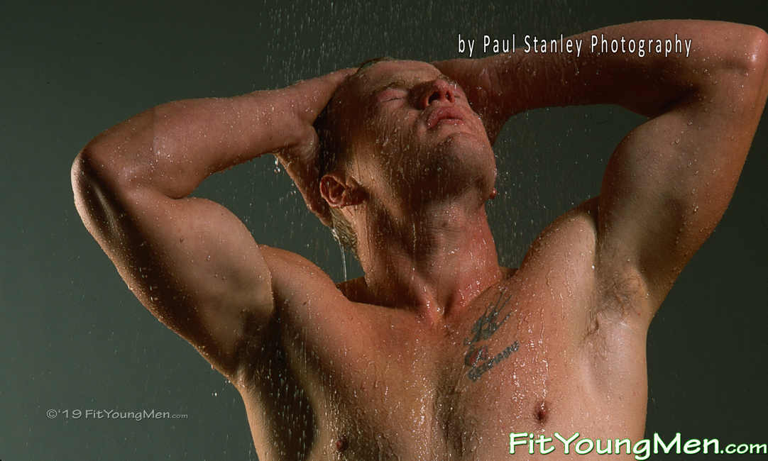 Fit Young Men: Model Mike - Tall & Blond Hunk Mike Shows off his Muscular Body