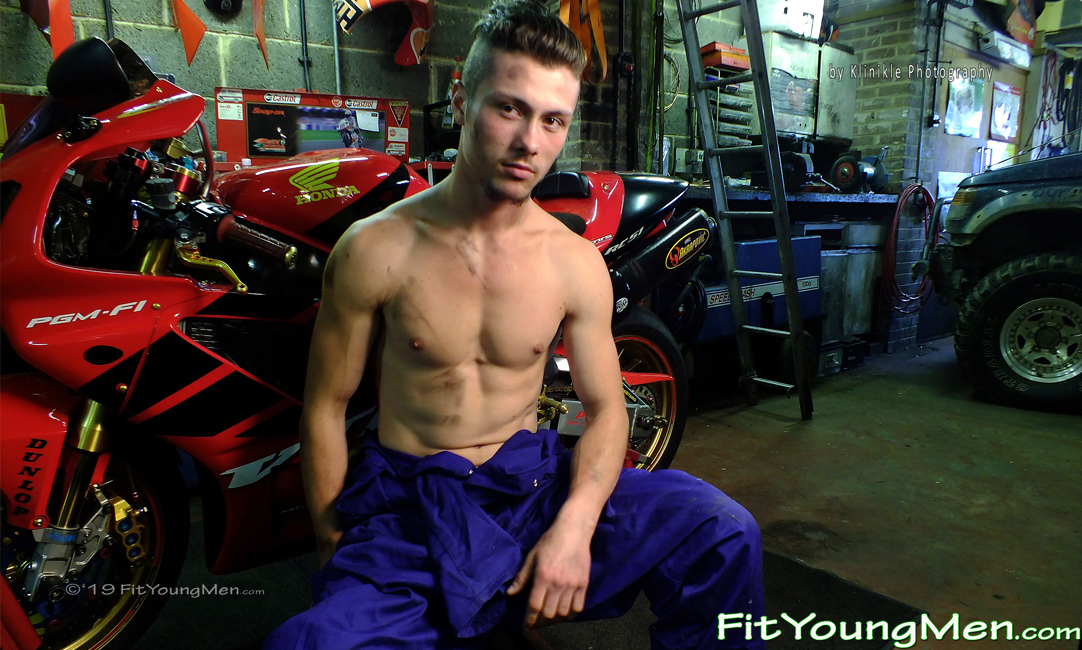 Fit Young Men: Model Mario - Athletic Young Stud Mario Shows off his Ripped Body on a Walk and at the Car Garage