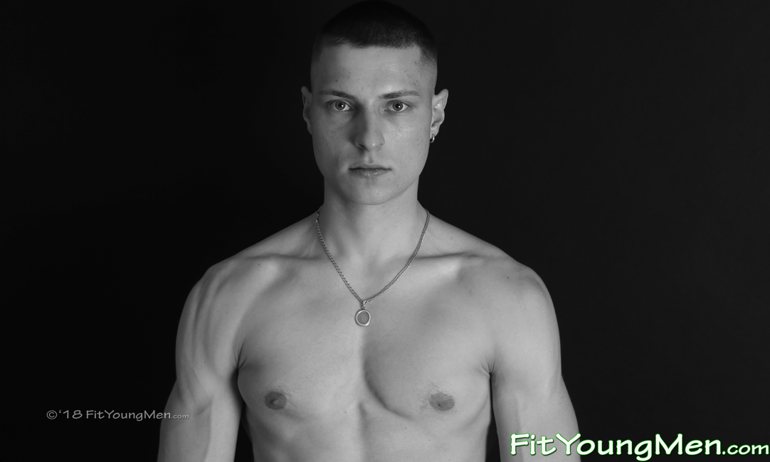 Fit Young Men: Model Regan Dudley - Gym - Body Weight Exercise Expert Regan Shows his Fine Physique!