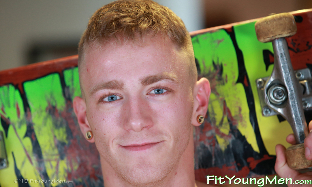 Fit Young Men: Model Jimmy Harris - Skateboarder - Blue Eyed Skate Boarder Jimmy Shows off his Great Physique