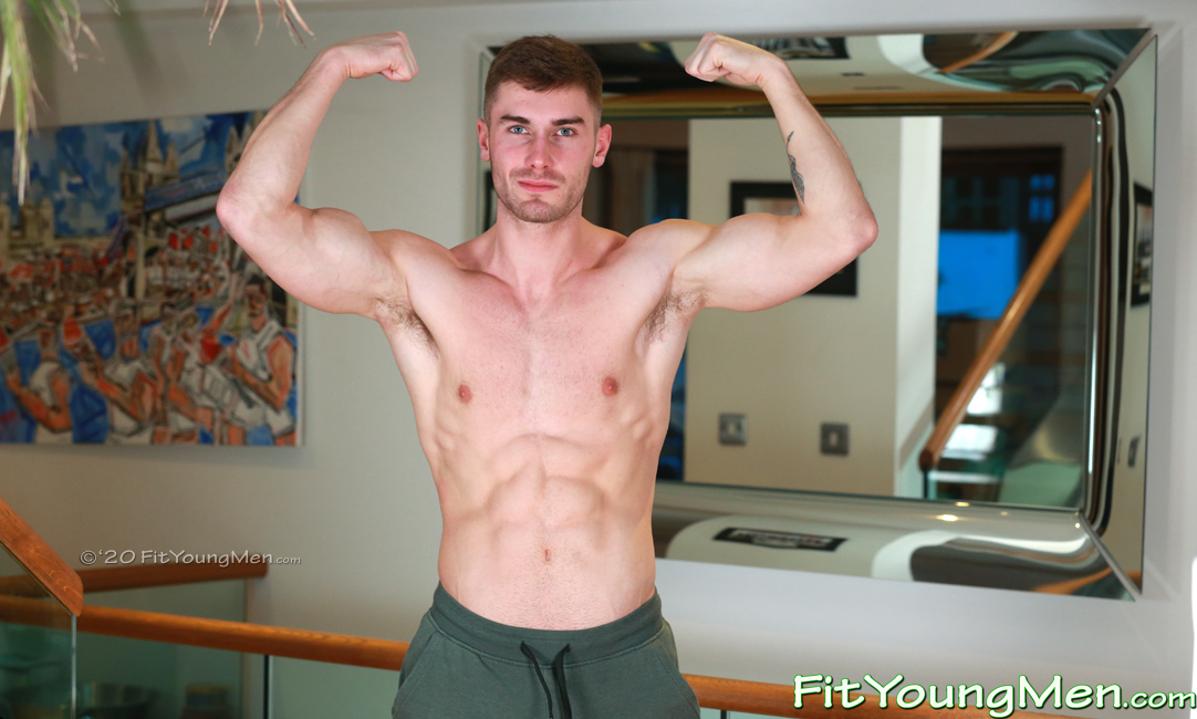 Fit Young Men: Model Craig Marks - Gym - Super Muscular & Lean Young Lad Shows off his Ripped Physique